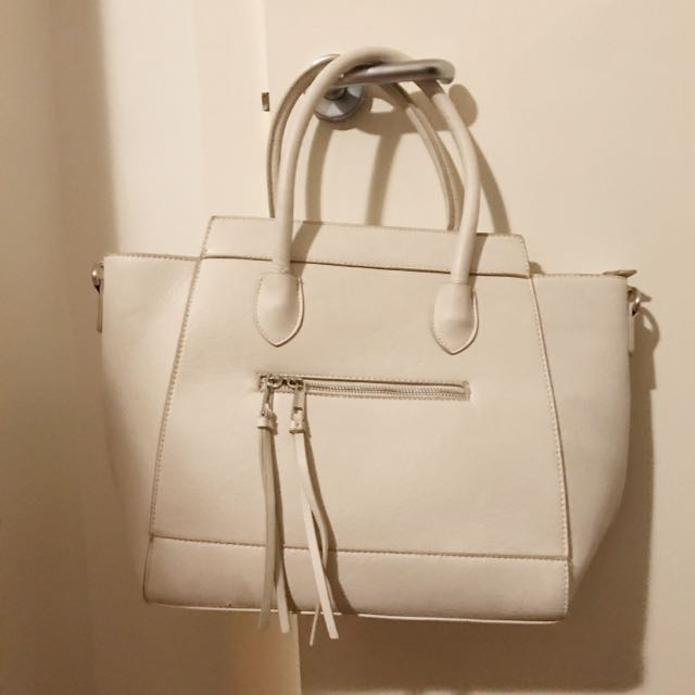 CREAM COLOR HANDBAG