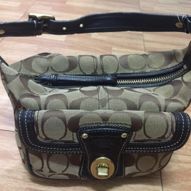 EndedCoach G06K-40224 Legacy Signature canvas Handbag Purse Pouch SMALL