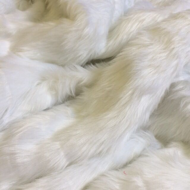 faux fur fabric white design craft others on carousell. Black Bedroom Furniture Sets. Home Design Ideas