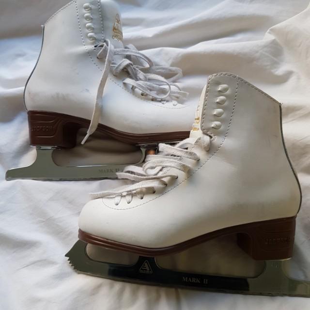 Jackson Mistique Boots + Mark II Blades