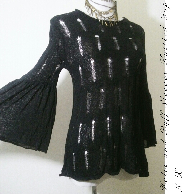♥JUST ARRIVES ♥ Holes and Puffy Sleeves Knitted Top♥