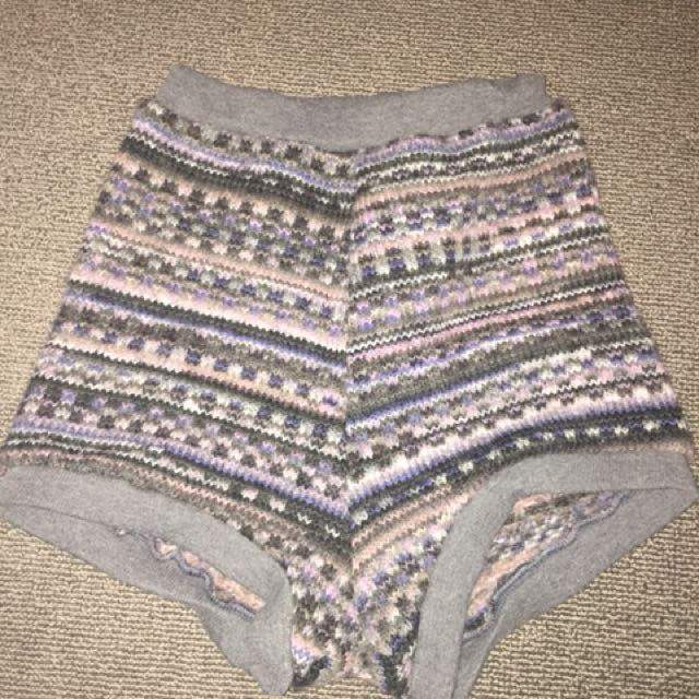 Lonely heart shorts