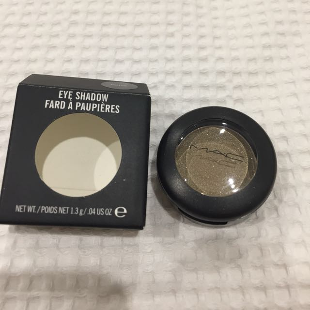 Mac eyeshadow henna colour