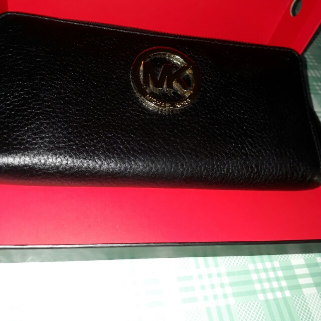 Mk long wallet authentic