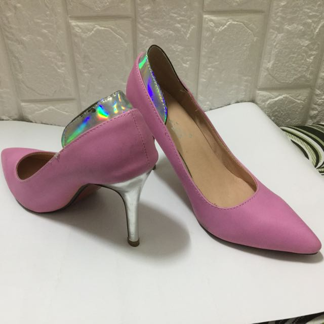 Pink Pointed Shoes