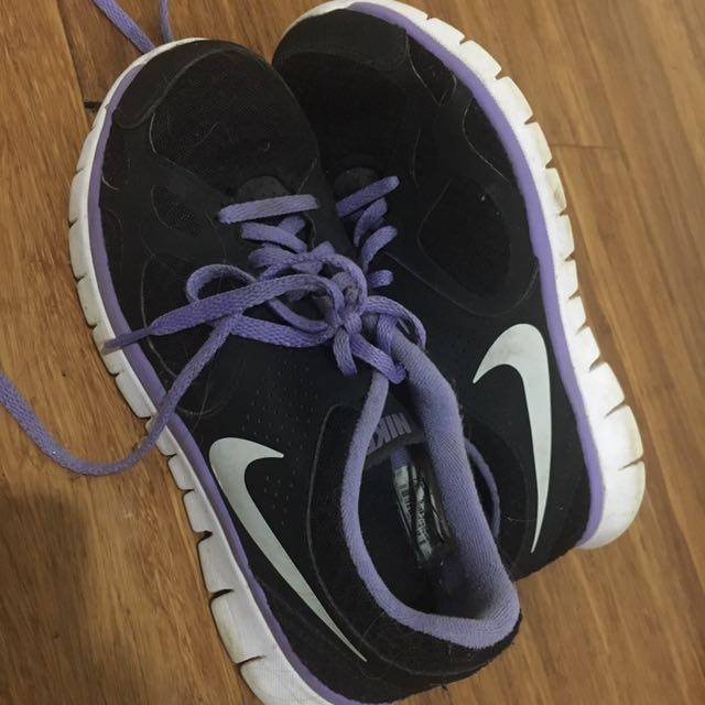 Purple And Black Nikes Size 7.5 Women's