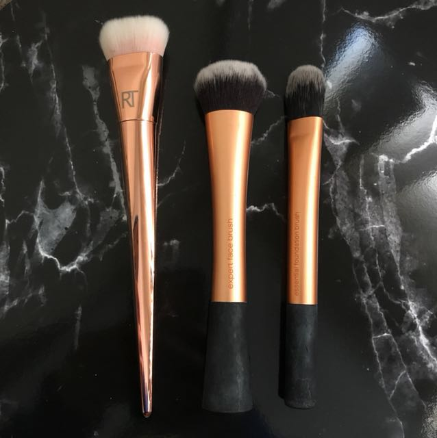 Real Techniques makeup brushes (Genuine)