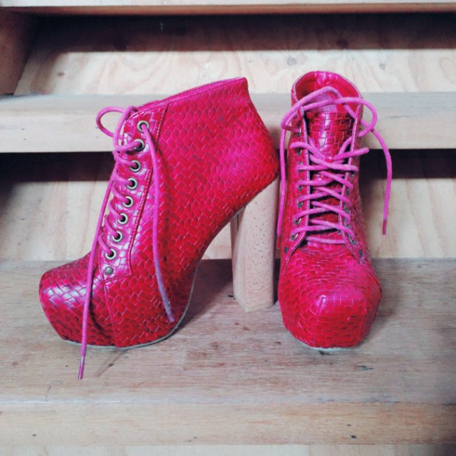 37♡Red Woven Platform Boots