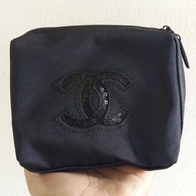 RESTOCK!! Authentic new chanel pouch vip gift
