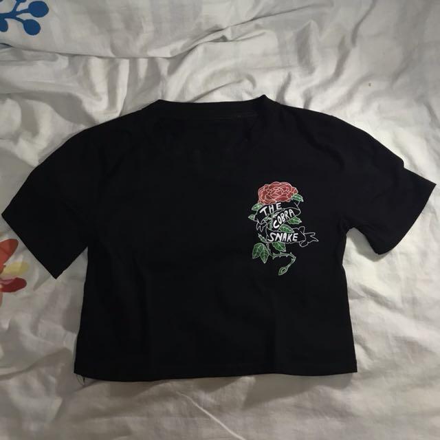 roses black crop top tshirt