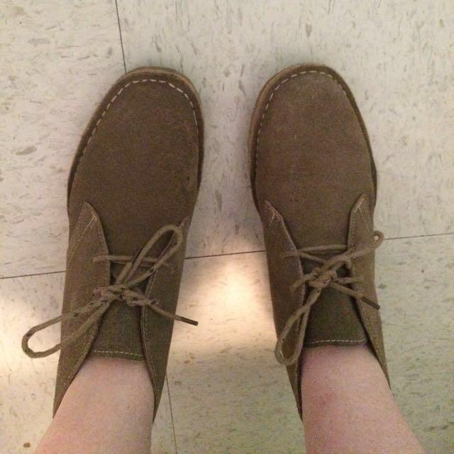 Size 7 Soft Moc Shoes