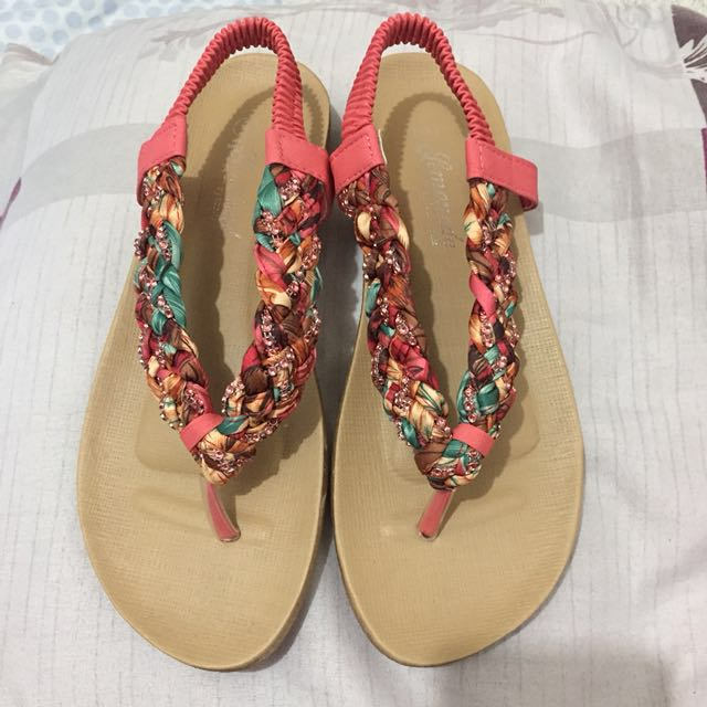 Slippers with strap