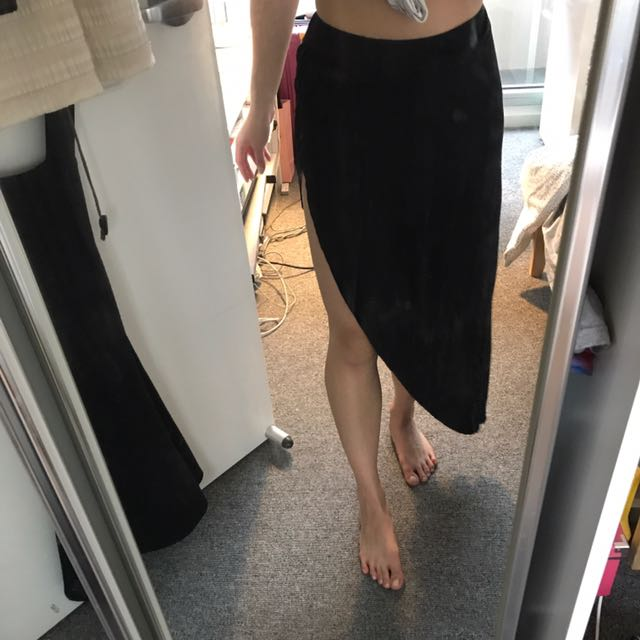 Slit Black skirt