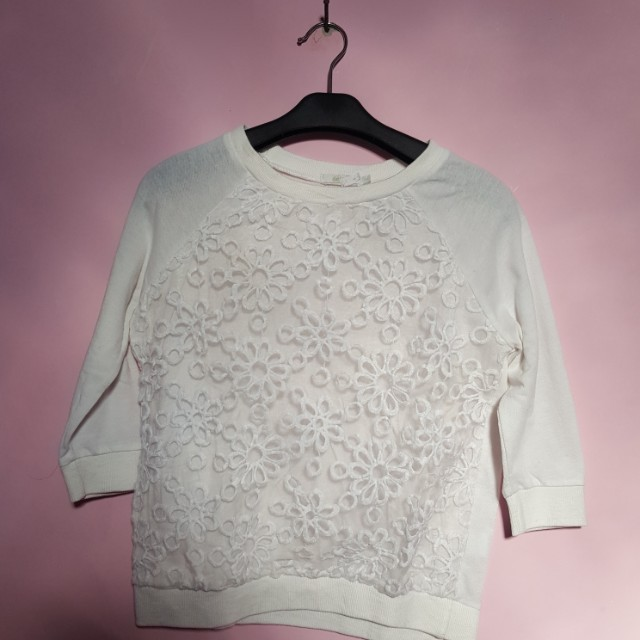 white sweater no defect