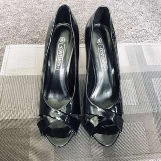 Contempo shoe size6