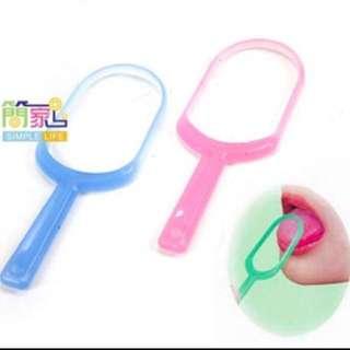 Plastic Tongue Cleaner - Set of 3