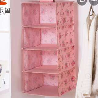 🚚 Hanging clothes organisers