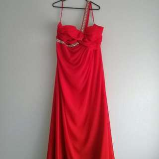 Elegant Red Draped Evening Dress One Shoulder Strap With Beading