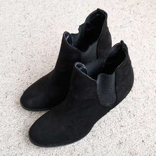 Debut Heeled Boots from Warehouse size 9