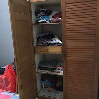 lemari baju kayu