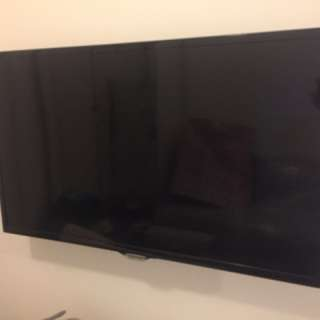 Samsung smart TV (32 inches) model: UA32F5500AJXZK