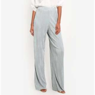 LOOKING FOR: Missguided crinkle pleat trousers