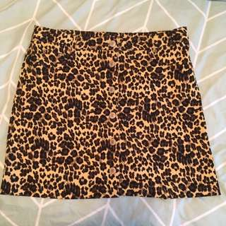 Leopard print mini skirt - worn once