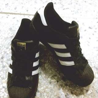 Adidas 愛迪達 貝殼鞋