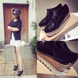 黑色鬆糕鞋