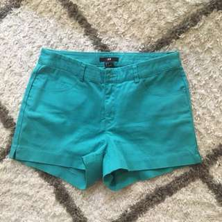 H&M shorts size M