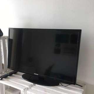 "Samsung TV 32"" For Sale"