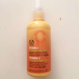 The Body Shop Vitamin C Glow Spray