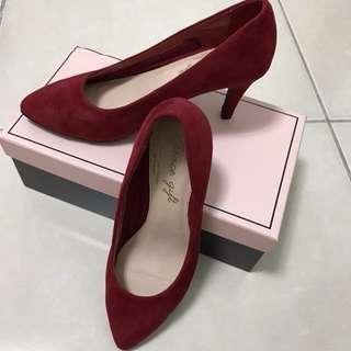 Grace gift 彈性減壓素面百搭尖頭跟鞋