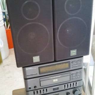 STEREO Sharp brand with 2 speakers