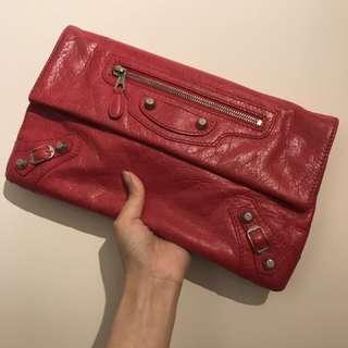 巴黎世家red clutch