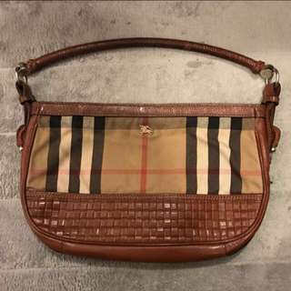 Burberry women handbag / shoulder bag