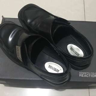 Kenneth Cole Black School Shoes