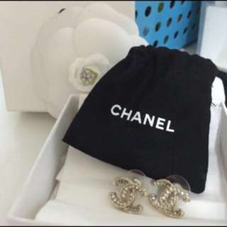 Chanel Preloved Limited/Seasonal Earrings
