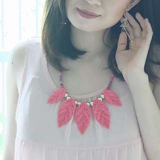 Pink leaves necklace