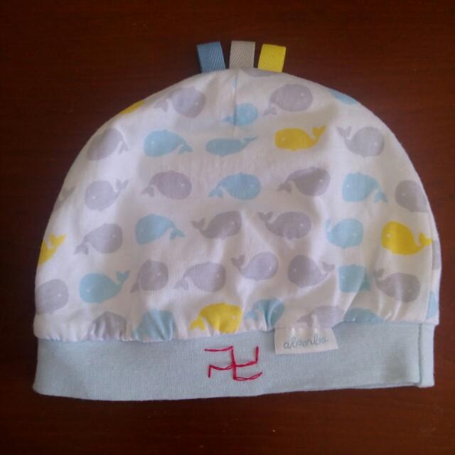 《奇哥》九成新 可愛鯨魚初生寶寶帽子&全新布鞋