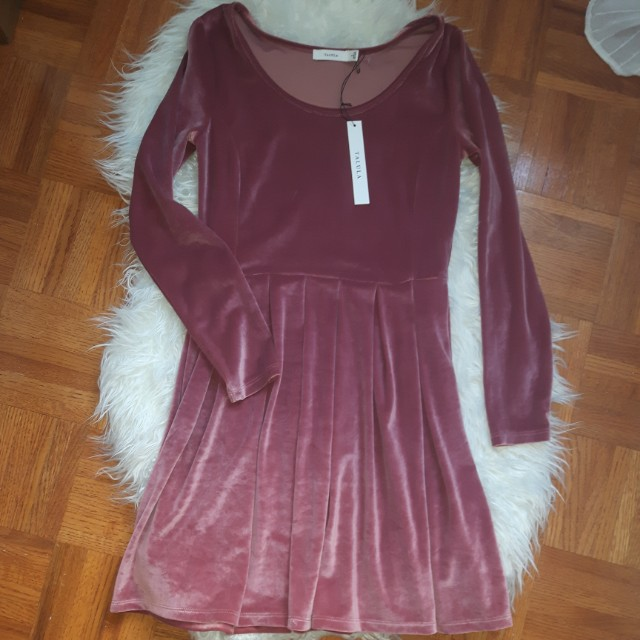 Aritzia (taluha) (SMALL) PINK VELVET DRESS