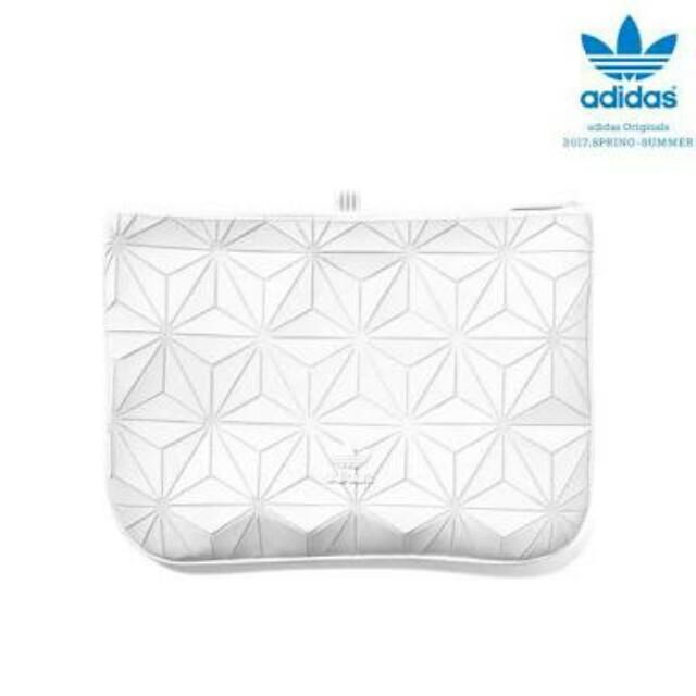 BNWT Adidas x Issey Miyake 3D Clutch Original