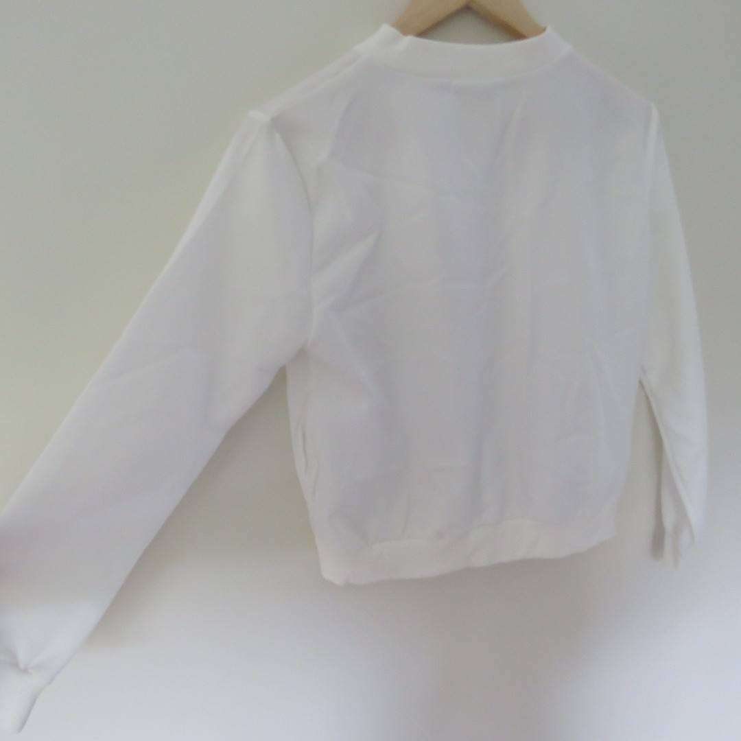BRAND NEW LIGHT WEIGHT WHITE JACKET SIZE 6-8