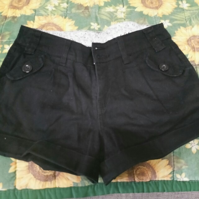 Cache cache shorts