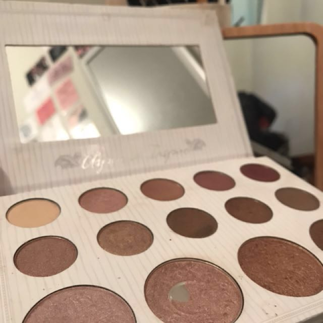Carli Bybel Eyeshadow/Highlighter Palette