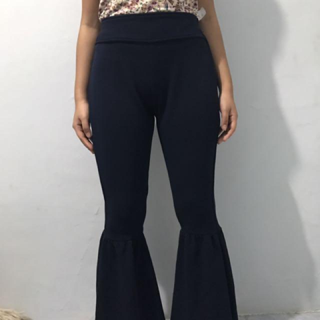 Celana flare / flare pants