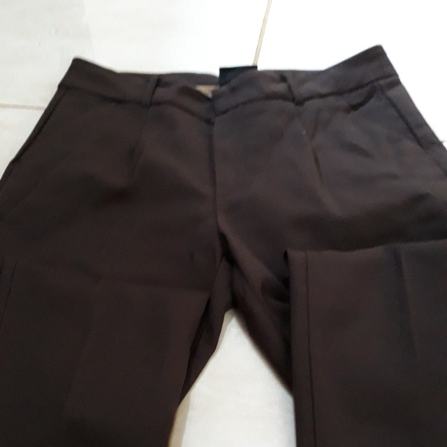 Celana panjang skiny warna coklat tua size s