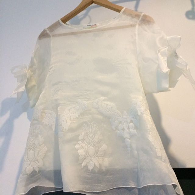 Embroidery Perspective Top