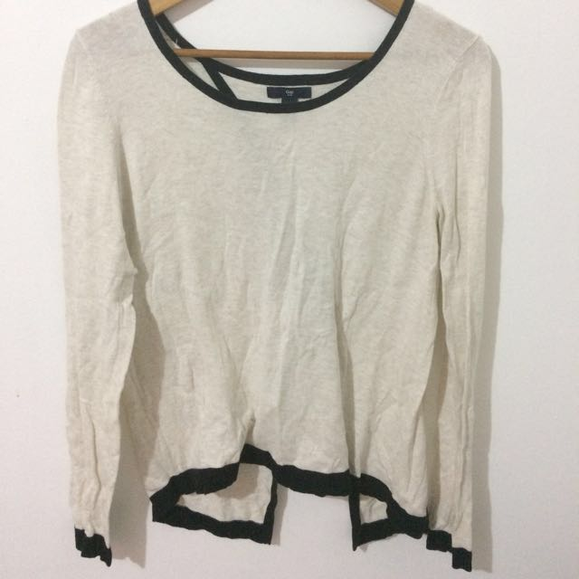 Gap pullovers bare back