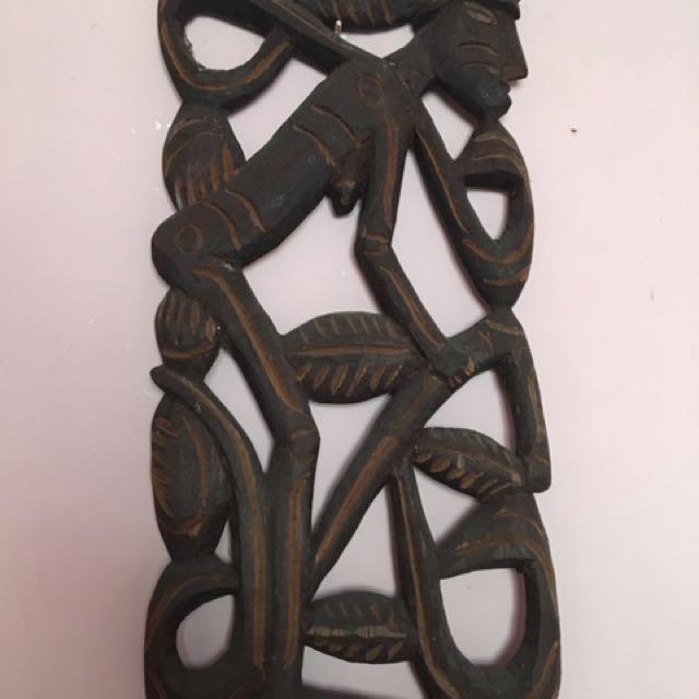 Hiasan dinding Kayu asli Papua